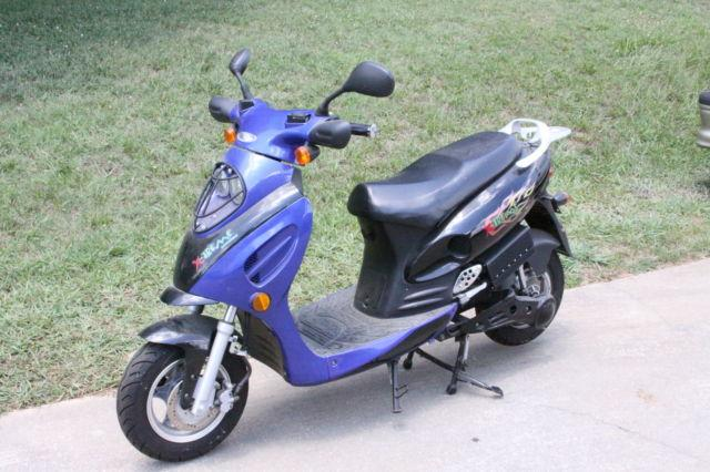 Extreem XM-3000 2008 Electric Scooter