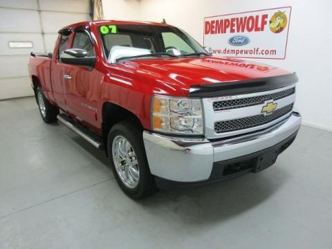 2007 Chevrolet Silverado 1500 4 Door Extended Cab Short Bed Truck