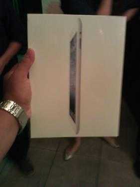 IPAD 3rd generation 16 gb white new!!