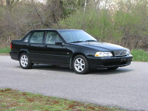 1999 Volvo S70 GLT Sedan...Excellent Cond!