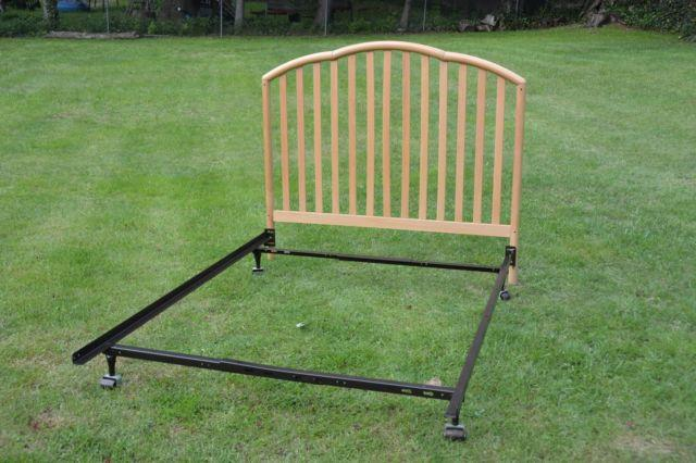 FULL DOUBLE BED WOOD HEADBOARD AND METAL FRAME
