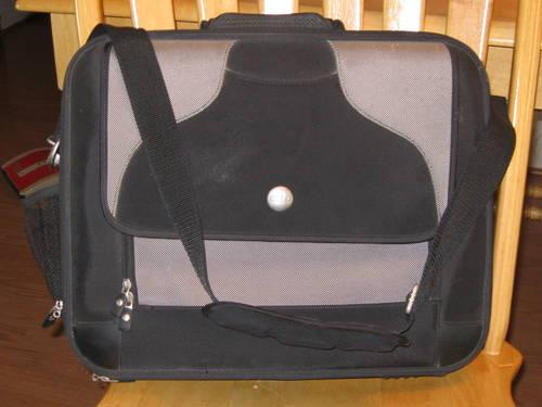 Dell Computer Laptop Bag.Very nice, heavy duty commercial/business use