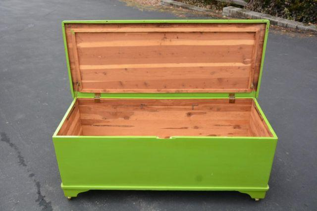 LARGE VINTAGE PAINTED CEDAR CHEST HOPE CHEST COFFEE TABLE
