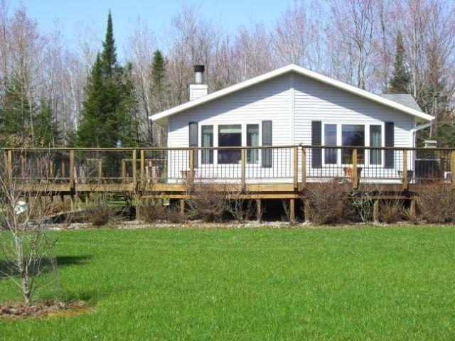 Home on 200 acres, prime hunting land, Northern WI