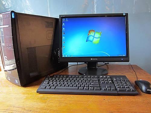 Compaq FS7600 monitor in used condition