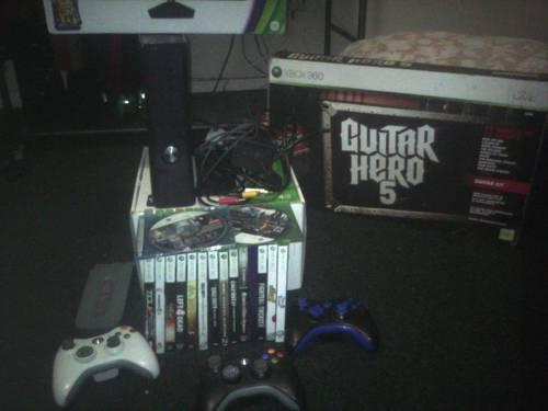 XBOX 360 SLIM 250GB HDD WITH KINNECT,MICROSOFT RACING WHEEL AND MORE