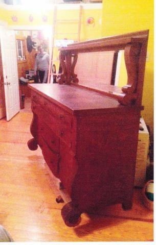 Vintage Sideboard, do not know much about item