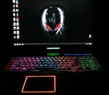 Alienware M18X i7 Gaming Laptop w/ Alienware backpack