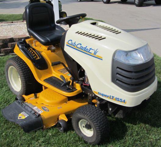 Cub Cadet Super LT1554 Lawn Tractor