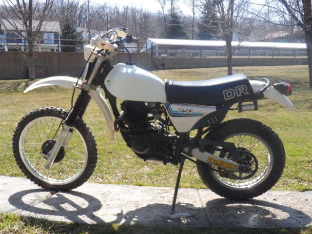 1982 Honda CB900F 9,5xx miles asking 2,000$ mint!