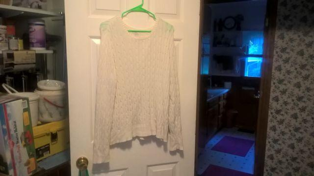 Used St John's Bay misses XL sweaters