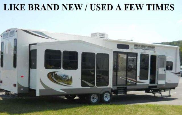 2013 40 ft Grand Lodge Forest River Model/Camper 3 Slide Outs by owner