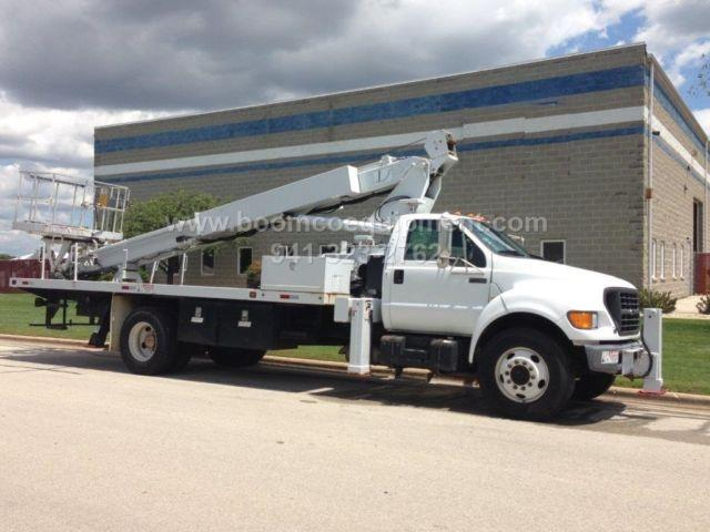 Elliott G85 Sign Truck for sale mounted on 2000 Ford - B09274