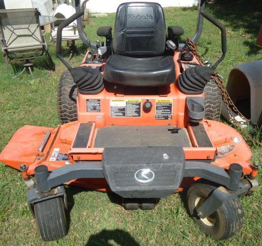 KUBOTA ZERO TURN LAWN MOWER BARELY USED for Sale in