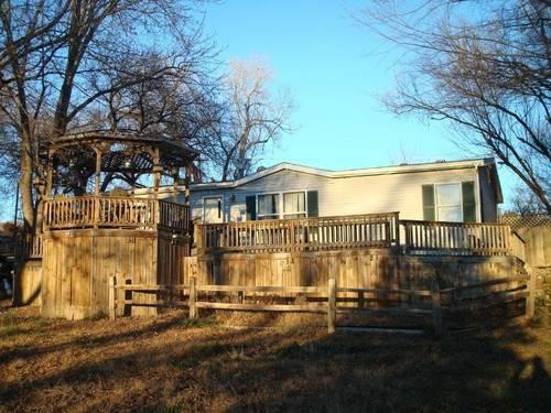 Affordable 3 Bedroom 2 Bath Located Next to Tuttle Creek Lake an