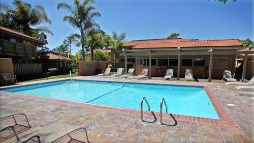 Perfect Location Between Country and Oceanside - Leasing Specials