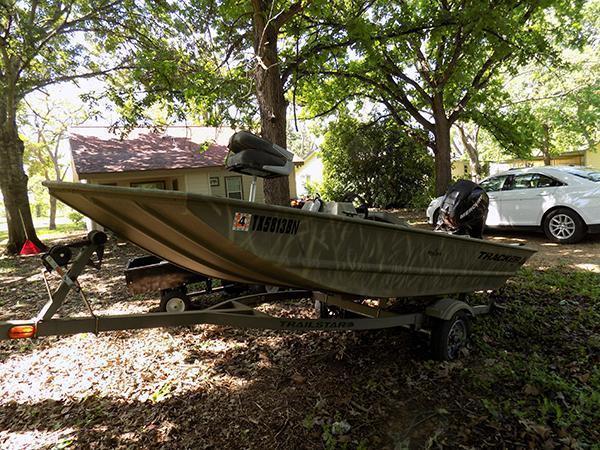 2010 14? Bass Tracker Pro Bass Boat