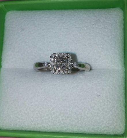 Princess cut diamond ring (pre-owned)