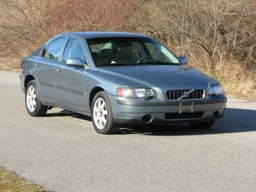 2002 Volvo S60 AWD...EXCELLENT