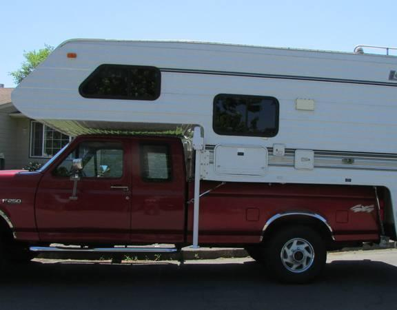 2000 Lance 1010 Camper for Sale in Salem, Oregon 97301