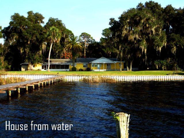 Single Family Home For Sale In Titiusville, FL