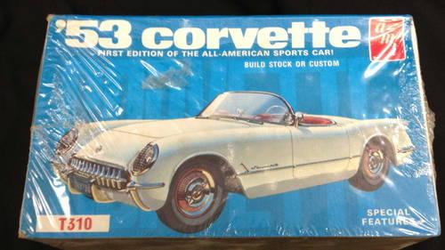 AMT 53 Corvette 1/25 Scale Model Kit #T310