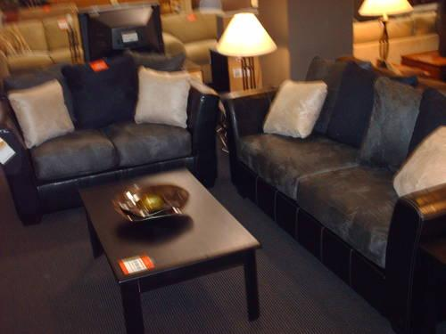 Brand New 2 Tone Sectional *Made in USA*