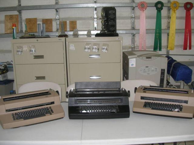 TYPEWRITER IBM SELECTRIC II