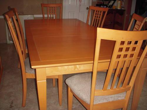 USED LIGHT CANADIAN MAPLE DINING TABLE SET W 6 CHAIRS AND CREDENZA For Sale I