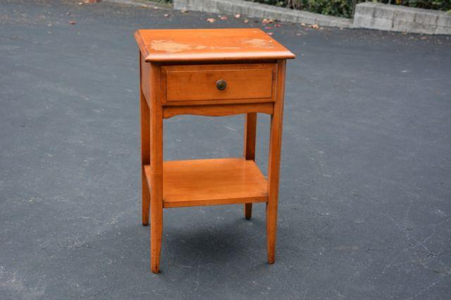 SOLID MAPLE WOOD NIGHT STAND SIDE END TABLE BY JAMESTOWN