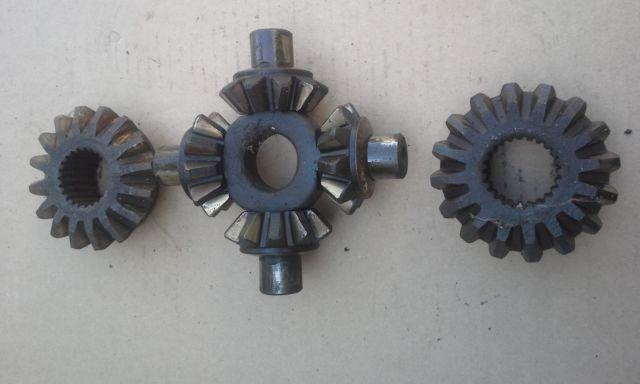 Dana 70 spider & 23 spline open side gears and cross pin block