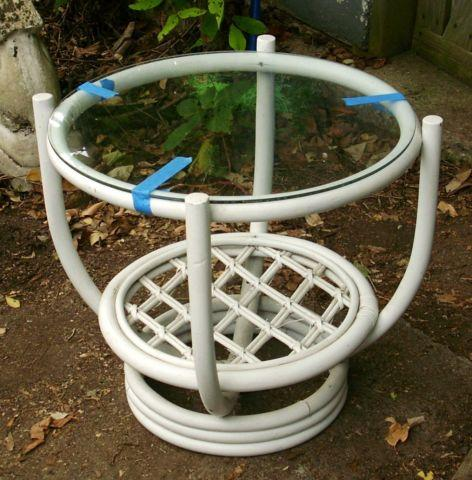 VINTAGE RATTAN WICKER WHITE END SIDE TABLE WITH GLASS TOP