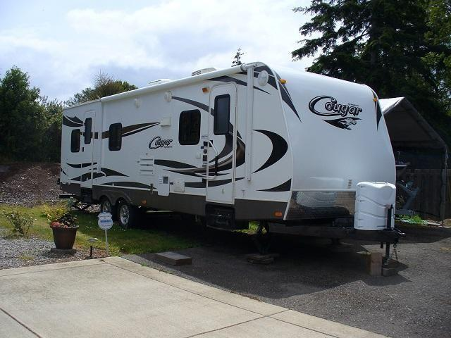 2012 Cougar 1/2 Ton 27 ft Super Slide w/ Electric Awning! SUPER CLEAN