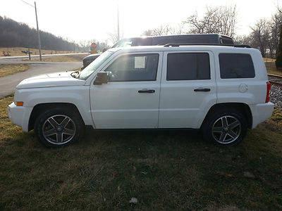 2008 Jeep Patriot Sport Sport Utility 4-Door 2.4L