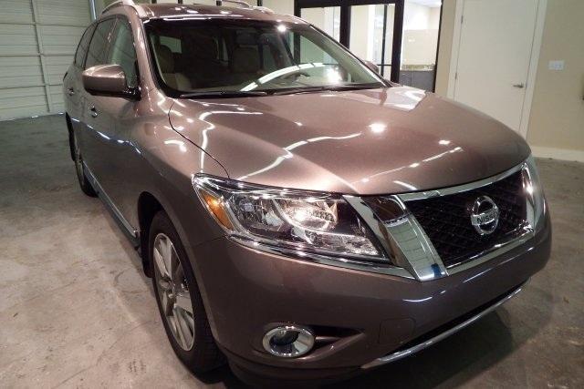 2014 Nissan Pathfinder 4D Sport Utility Platinum