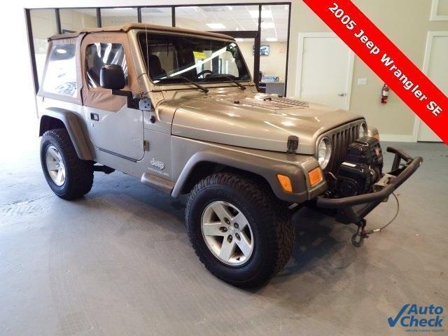 2005 Jeep Wrangler 2D Sport Utility SE