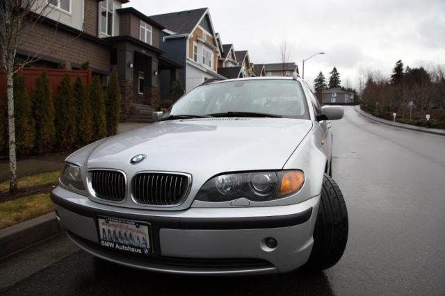 2004 BMW 325xi Sports Wagon