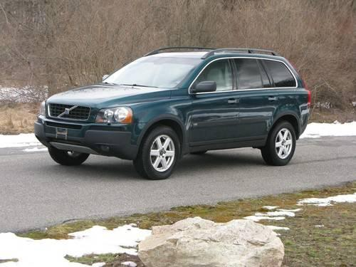 2004 Volvo XC90 SUV...EXCELLENT condition!