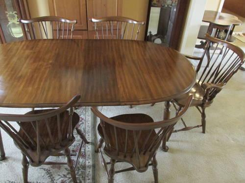 pennsylvania house dining room table and 5 chairs for sale