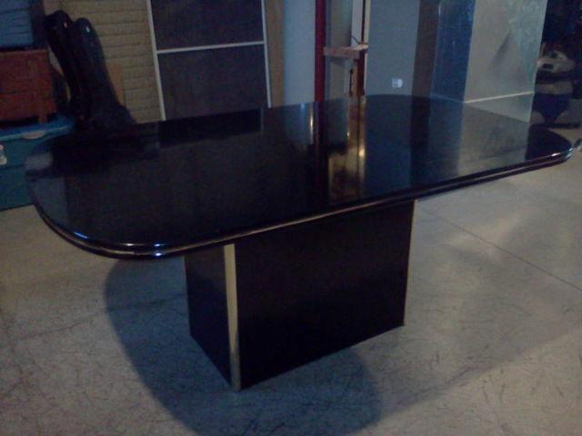 Used Black Dining room table and 6 chairs