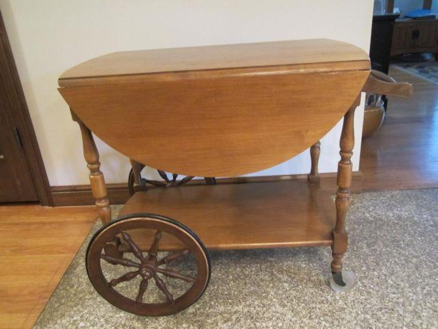 VINTAGE EARLY 1970's WOOD TEA CART TABLE COLONIAL EARLY AMERICAN STYLE