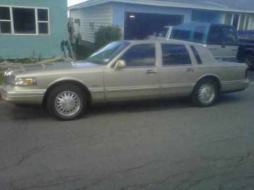 1997 lincoln town car for sale in bundyville new york. Black Bedroom Furniture Sets. Home Design Ideas
