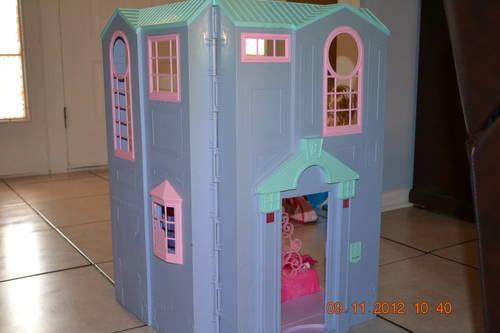 Talking Barbie Townhouse