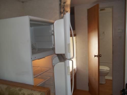 32 ft travel trailer-camper 4,995.