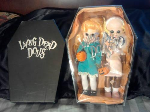 Living Dead Dolls Trick or Treat Hemlock & Honey