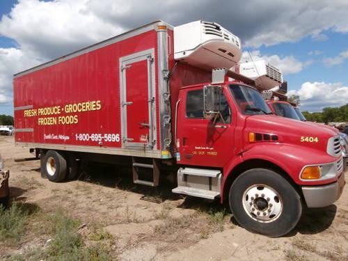 army military 2 1/2 ton cargo truck 6x6 w/winch flatbed wood hauler