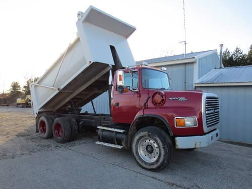 Ford L9000 Dump Truck Rock Box