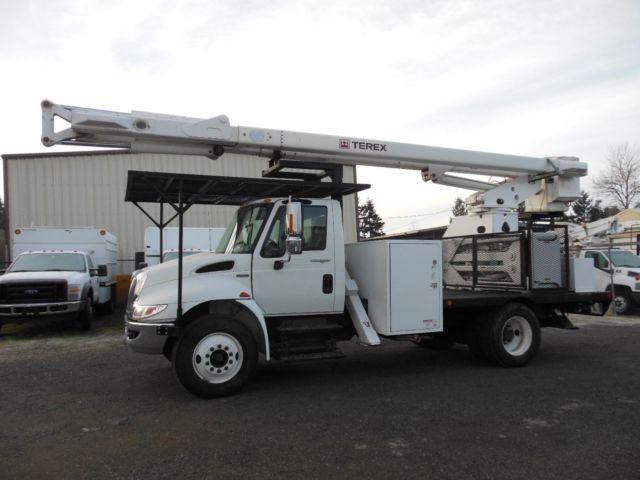 2008 International 4300 bucket truck (Stock #15-002)