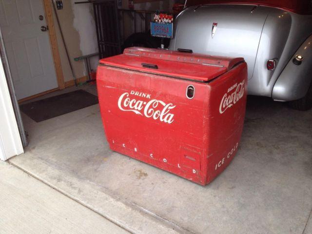 Westinghouse Coca-Cola WD-12 Cooler