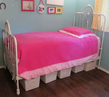 Antique white iron twin bed frame with mattress and box for Twin bed frames for sale